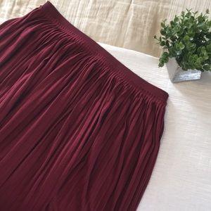 NWT America Eagle Long Burgundy Maxi Pleated Skirt